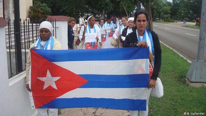 Protesta contra las restricciones a las libertades civiles de las Damas de Blanco en La Habana. (Archivo)