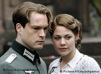 The film depicts the tragic love story between a German nurse and British pilot