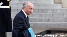 epa05087564 French Foreign Affairs Minister Laurent Fabius leaves following the 2016 first cabinet meeting at the Elysee Palace in Paris, France, 04 January 2016. EPA/ETIENNE LAURENT +++(c) picture-alliance/dpa/E. Laurent