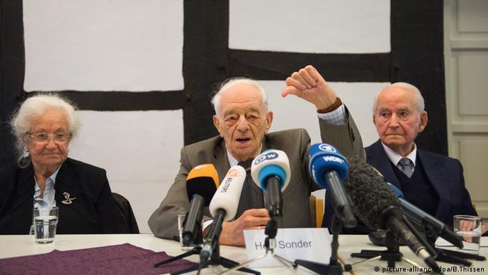 Auschwitz-Überlebende Erna de Vries Justin Sonder Leon Schwarzbaum Pressekonferenz Detmold