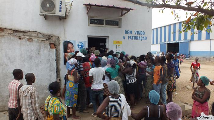 В Анголі дедалі стає дедалі складніше придбати продукти харчування