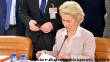 10.02.2016 *** BRUSSELS, BELGIUM - FEBRUARY 10: German Defence Minister Ursula Von Der Leyen attends the NATO Defence Ministers meeting at the NATO headquarter in Brussels, Belgium on February 10, 2016. Dursun Aydemir / Anadolu Agency © picture-alliance/Anadolu Agency/D. Aydemir