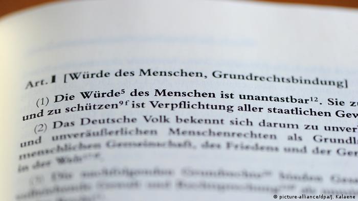 Deutschland Grundgesetz Artikel 1