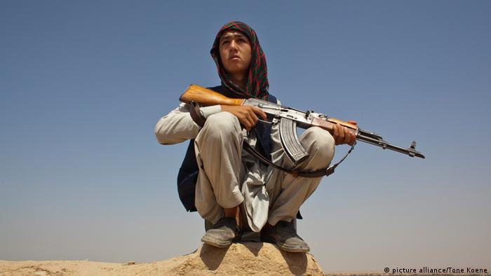 Estimated 10.000 Arbaki fighters(warlords) in Kunduz province. (Photo: picture alliance/Tone Koene)