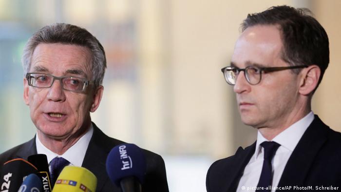 Deutschland Thomas de Maiziere und Heiko Maas