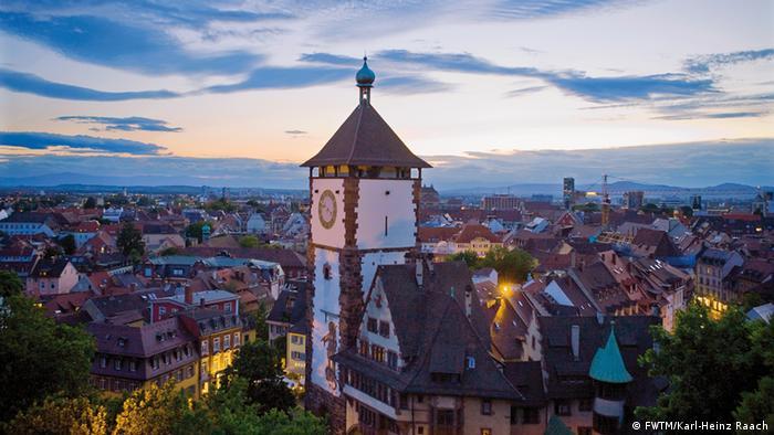 Deutschland Schwarzwald Freiburg Schwabentor
