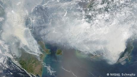 Fires in Sumatra and Borneo, Indonesia (Photo: NASA/J. Schmaltz)