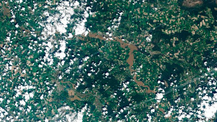 Elbe river flooding Wittenberg (Photo: NASA/J. Allen)