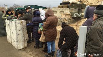 Ukraine Leben in Luhansk Grenze Stanica Luhansk (DW/F. Hofmann)