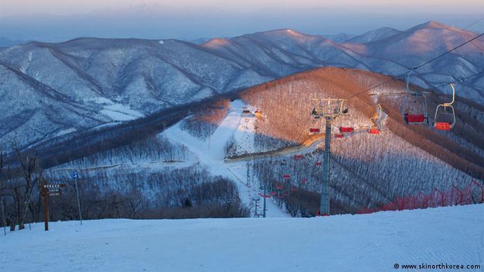 朝鲜马息岭滑雪场:寂寞的奢华