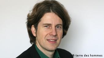رالف ویلینگر، مسئول بخش حقوقی کودکان سازمان سرزمین انسانها Terre des Hommes