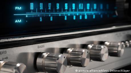 Radiogerät (Rechte: Picture-alliance/Klaus Ohlenschläger)