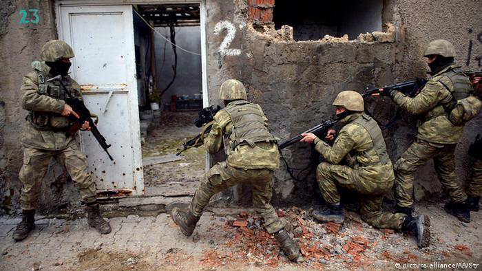 Türkei erwägt die Entsendung von Bodentruppen nach Syrien