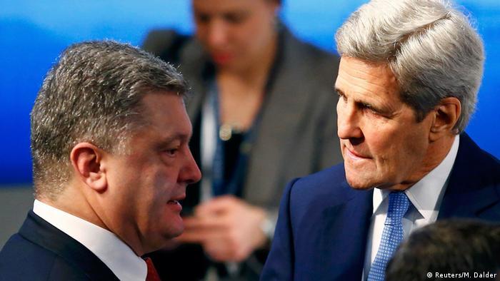 München Sicherheitskonferenz - Petro Poroschenko und John Kerry