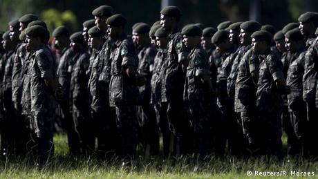 Brasilien Zika Virus - Training der Armee (Reuters/R. Moraes)