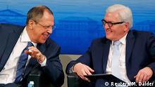 Trotz Differenzen gut gelaunt: Russlands Außenminister Lawrow (l,) und Bundesaußenminister Steinmeier