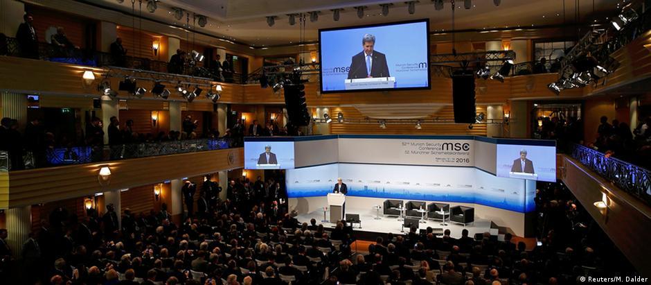 Secretário de Estado americano, John Kerry, fala na Conferência de Segurança de Munique