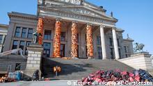 Deutschland Kunstaktion Ai Weiwei Konzerthaus Berlin