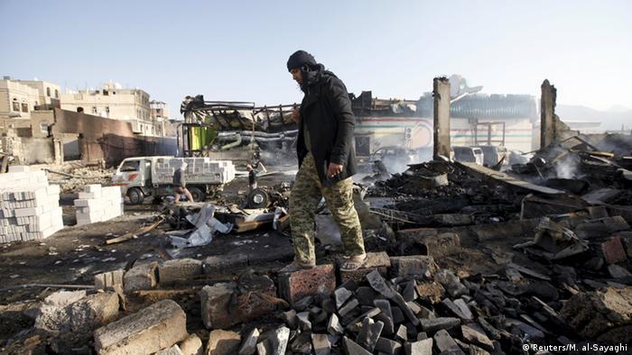 Jemen Zerstörung nach Luftschlag in Sanaa