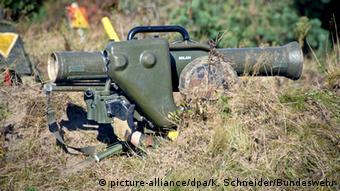 An anti-tank missile (picture-alliance/dpa/K. Schneider/Bundeswehr)