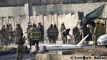Feuerwehrleute Anfang Februar am Tatort eines Selbstmordanschlags in Kabul
