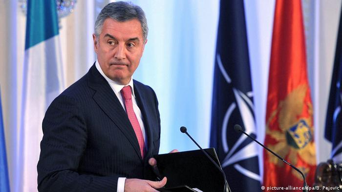 Montenegro Parlament Premierminister Milo Djukanovic (picture-alliance/dpa/B. Pejovic)