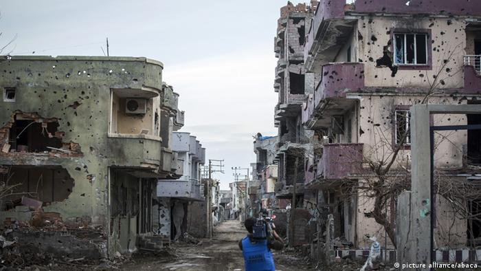 Destroyed buildings in Cizre