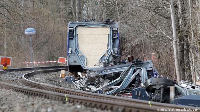 Deutschland Nach dem Zugunfall in Oberbayern