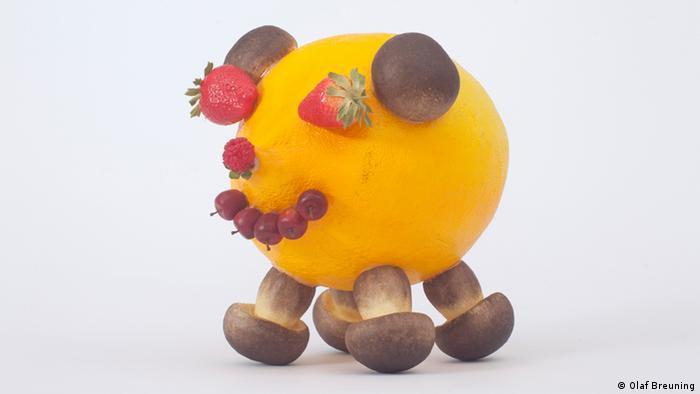 Олаф Бройнинг (Olaf Breuning), Лимонный поросенок (Lemon Pig), 2004