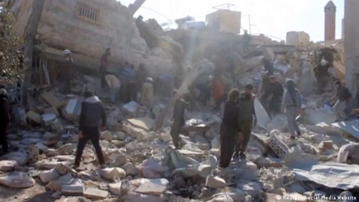 Последствия авианалета в Сирии