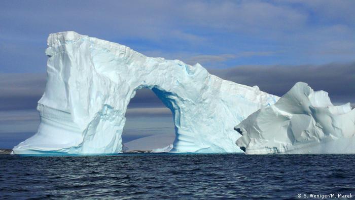 Eisberg in der Bucht von Port Charcot (Foto: S. Weniger/ M. Marek).
