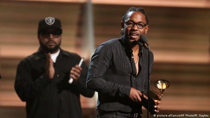 Kendrick Lamar, que ostentaba el récord de 11 nominaciones, tuvo que contentarse con cinco Grammys.