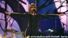 Taylor Swift singt beim Grammy-Gala