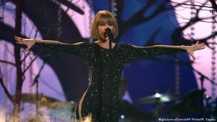 Swift repitió la hazaña de 2009, cuando fue distinguida con el premio de álbum del año por Fearless.