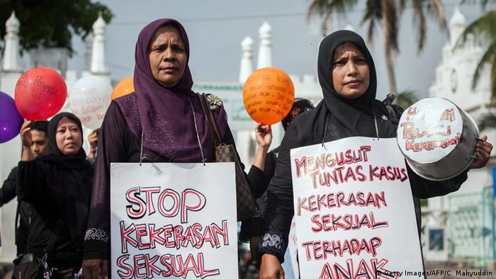 Indonesien Kindesmissbrauch Proteste in Banda Aceh (Getty Images/AFP/C. Mahyuddin)