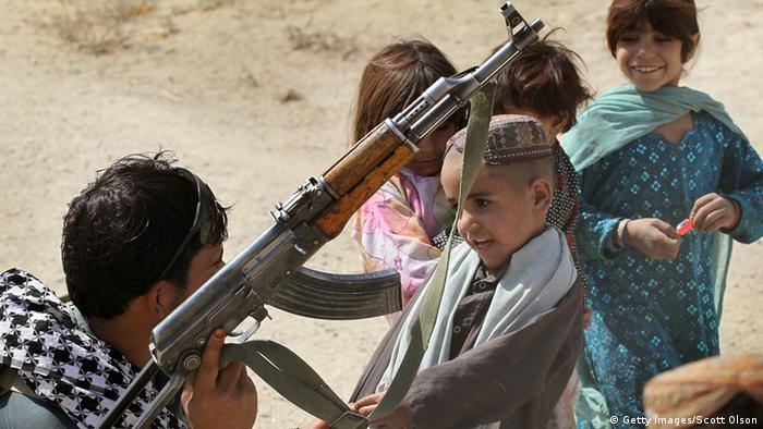 Afghanistan Kinder Waffen (Getty Images/Scott Olson)