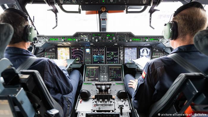 Airbus A400M Cockpit Piloten