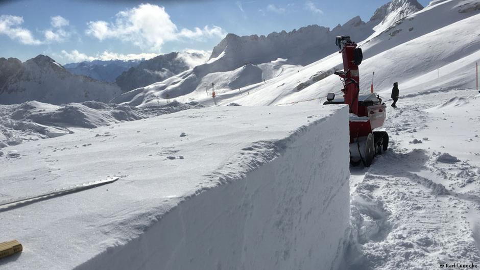 Iglu selber bauen auf der Zugspitze | DW Reise | DW | 25.02.2016