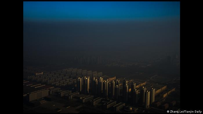 World Press Photo 2016 Kategorie Contemporary Issues Zhang Lei Smog in Tianjin