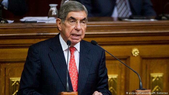 El Nobel de la Paz costarricense, Óscar Arias.