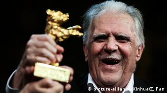 Goldener Ehrenbär für Kameramann Michael Ballhaus (picture-alliance/Xinhua/Z. Fan)