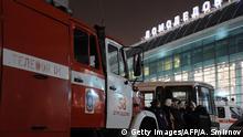 Russland Moskau Domodedovo Flughafen nach Anschlag Einsatzfahrzeuge