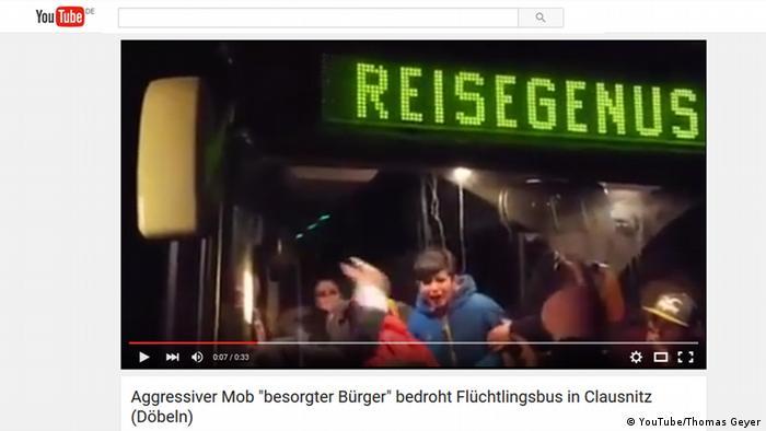 Screenshot YouTube Aggressiver Mob bedroht Flüchtlingsbus in Clausnitz
