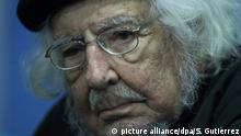 Nicaraguan poet Ernesto Cardenal poses to the press at the International Book Fair of Guadalajara held in the city of Guadalajara, Mexico, 05 December 2014. According to Cardenal, Pope Francis and Uruguayan President Jose Mujica are the two great phenomenons of our times in Latin America. EFE/Sáshenka Gutiérrez picture alliance/dpa/S. Gutiérrez