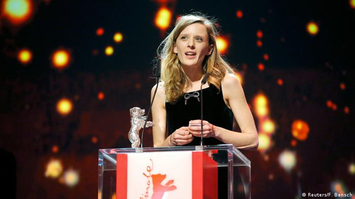 خرس نقرهای برای میا هانسن- لوه به عنوان بهترین کارگردان برلیناله ۲۰۱۶
