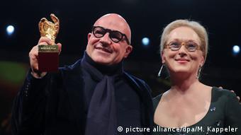 Ο Τζιανφράνκο Ρόσι με την Μέριλ Στριπ... και τη Χρυσή Άρκτο