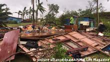 epa05173055 A handout imaged obtained on 21 February 2016 shows scenes of Tropical Cyclone Winston's destruction in Ba, Fiji. Category 5 Tropical Cyclone Winston made landfall in Fiji on 20 February. picture alliance/dpa/AAP/Mai Life Magazine HANDOUT AUSTRALIA AND NEW ZEALAND OUT HANDOUT EDITORIAL USE ONLY