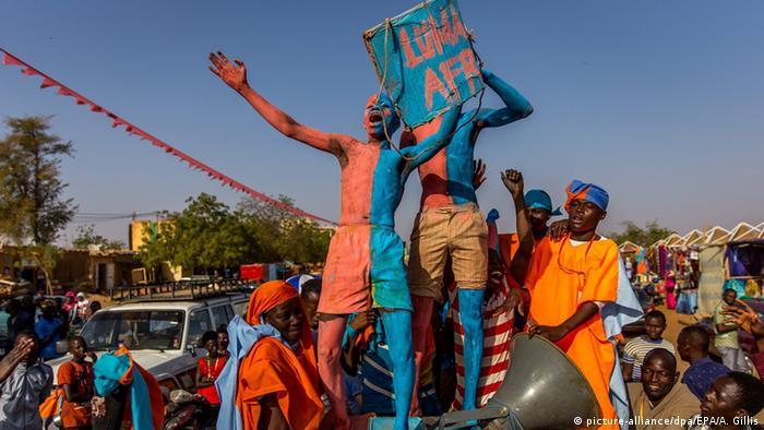 En 2016, les partis de Hama Amadou étaient nombreux dans la rue pour battre campagne pour leur candidat. (image d'illustartion)