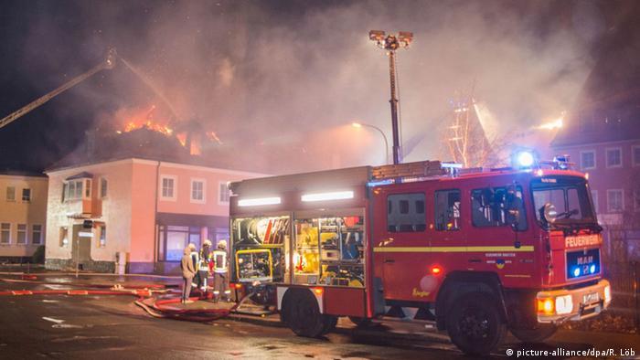 Deutschland Geplantes Flüchtlingsheim in Flammen in Bautzen
