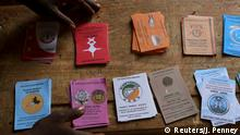 21.2.2016 An electoral official arranges voting materials at a polling station during the country's presidential and legislative elections in Niamey, Niger, February 21, 2016. REUTERS/Joe Penney Copyright: Reuters/J. Penney